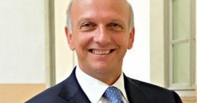 Al ministro dell'istruzione Bussetti